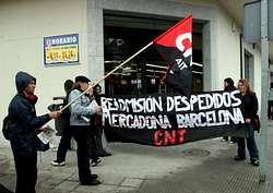 Imagem da concentracom diante de Mercadona em Carvalho