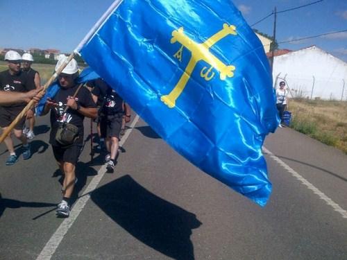 bandera asturias marcha negraa