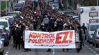 Manifestación en Mendillorri contra el control policial